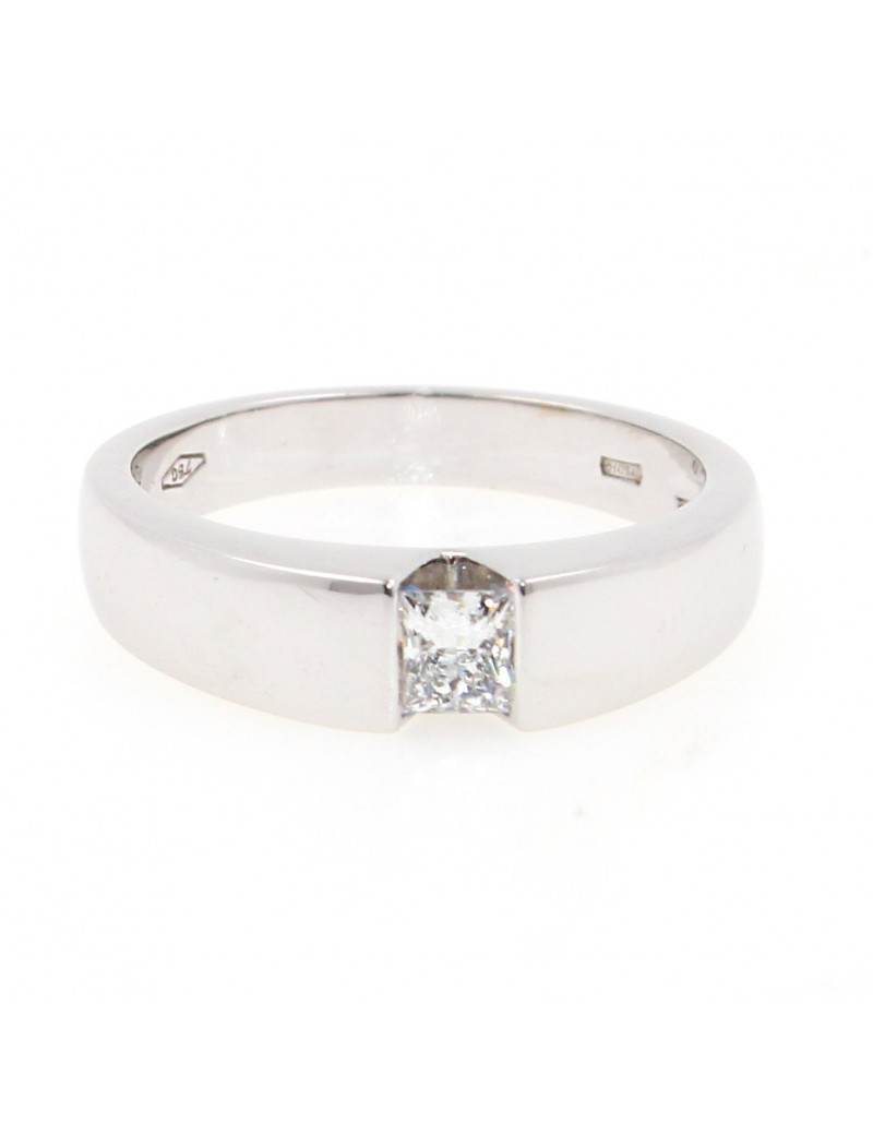 Anillo oro blanco18K con diamante talla princesa
