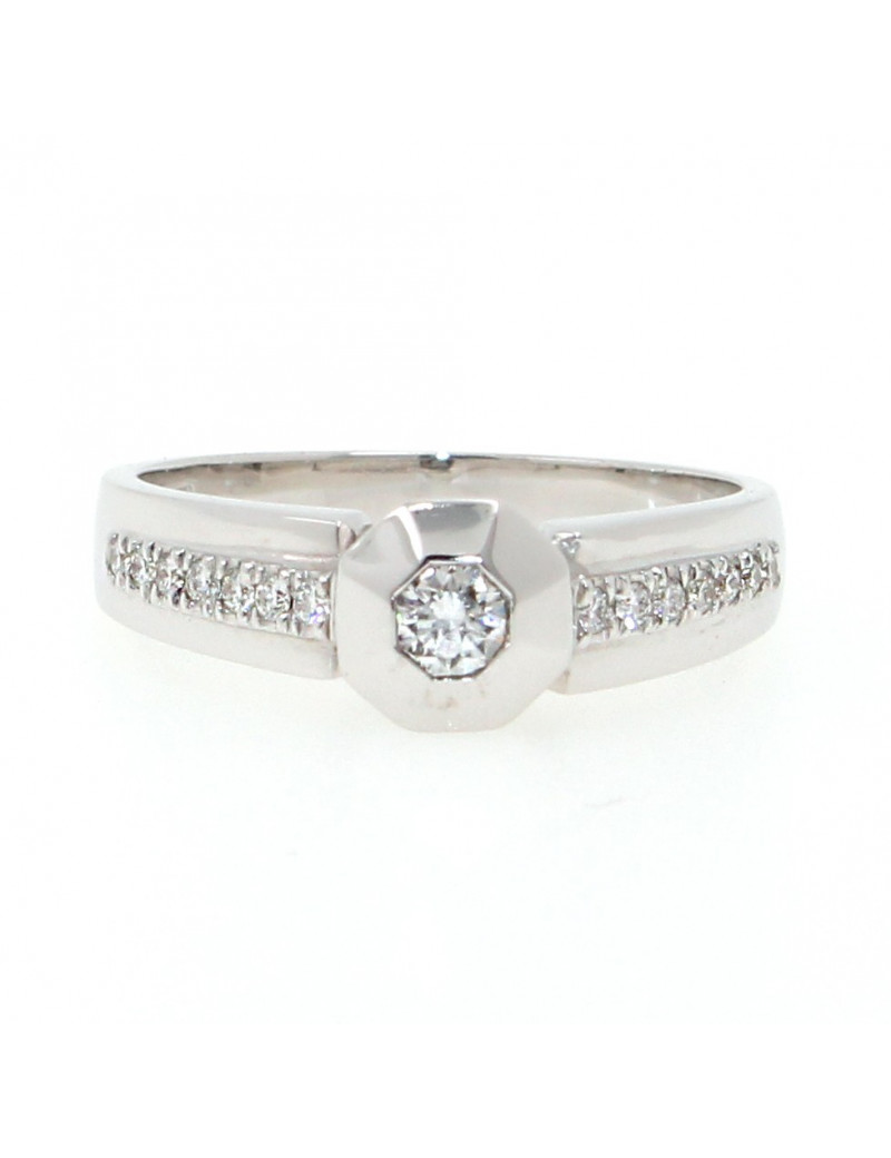 Anillo solitario oro blanco 18K con diamantes