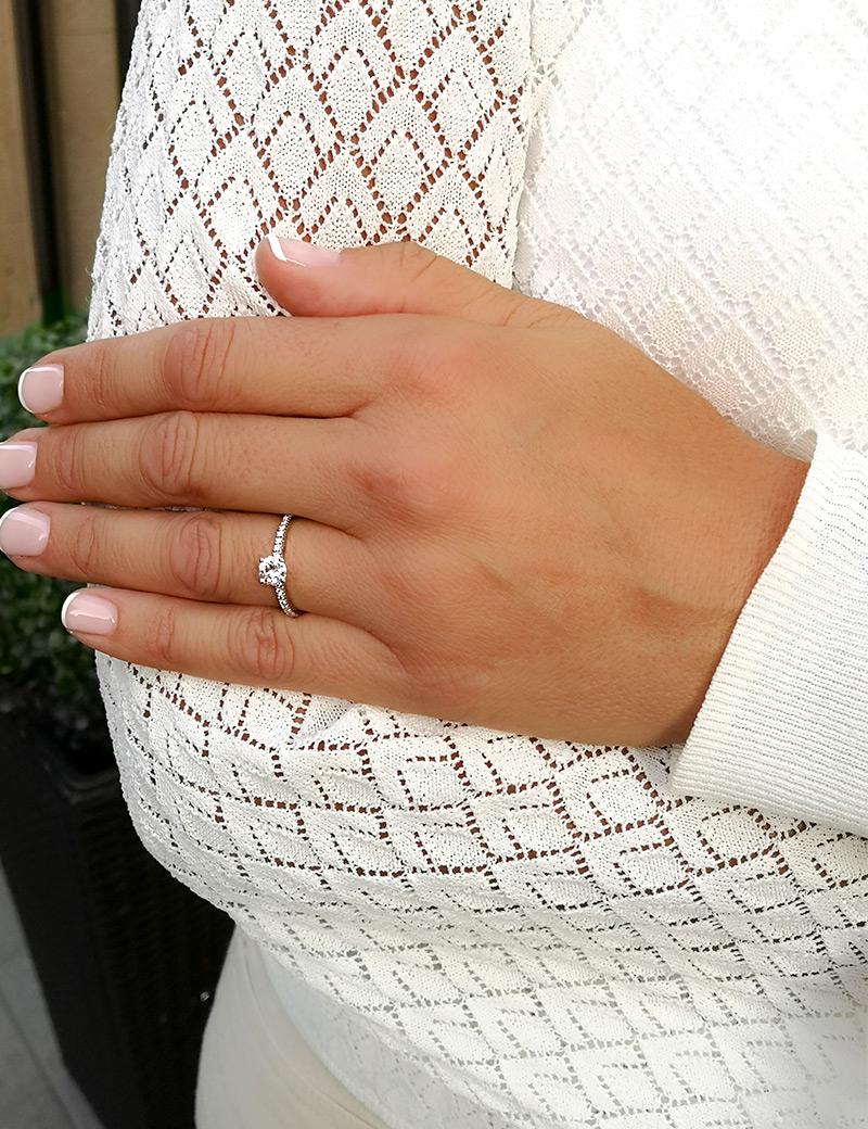 penelope anillo oro blanco con diamante - anillo solitario de pedida - anillo de compromiso